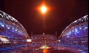 悉尼奥运圣火随着13岁歌手韦伯斯特的歌声渐渐熄灭